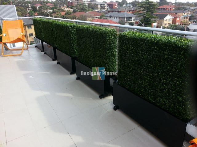Artificial hedges for privacy protection and decor in balcony, deck, patio