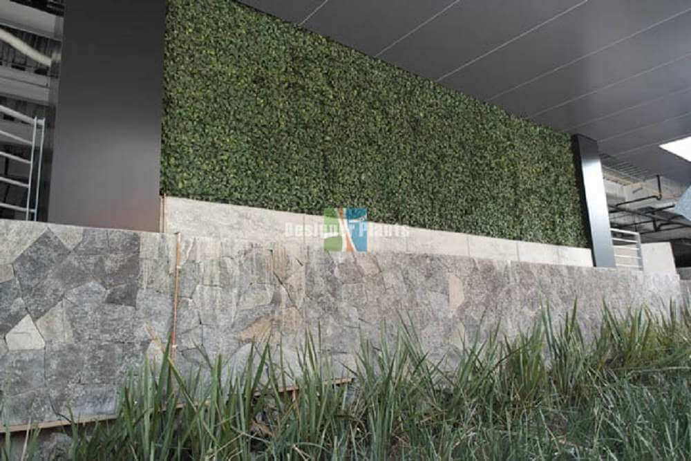 Wall With Artificial Plants2