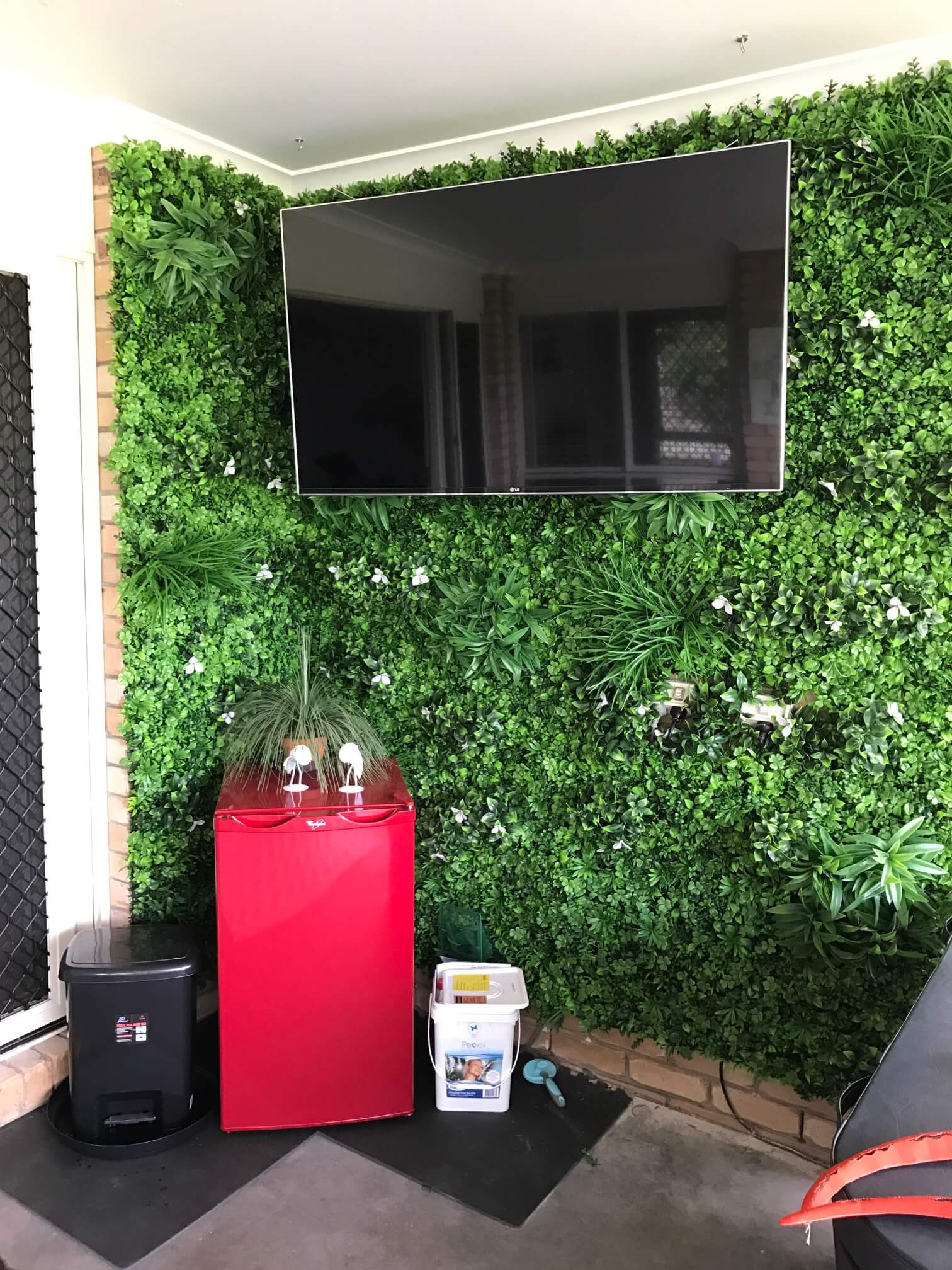 After installing a green wall with white oasis