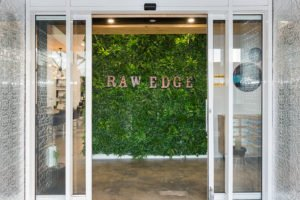 Hairdresser in Qld installed a green wall