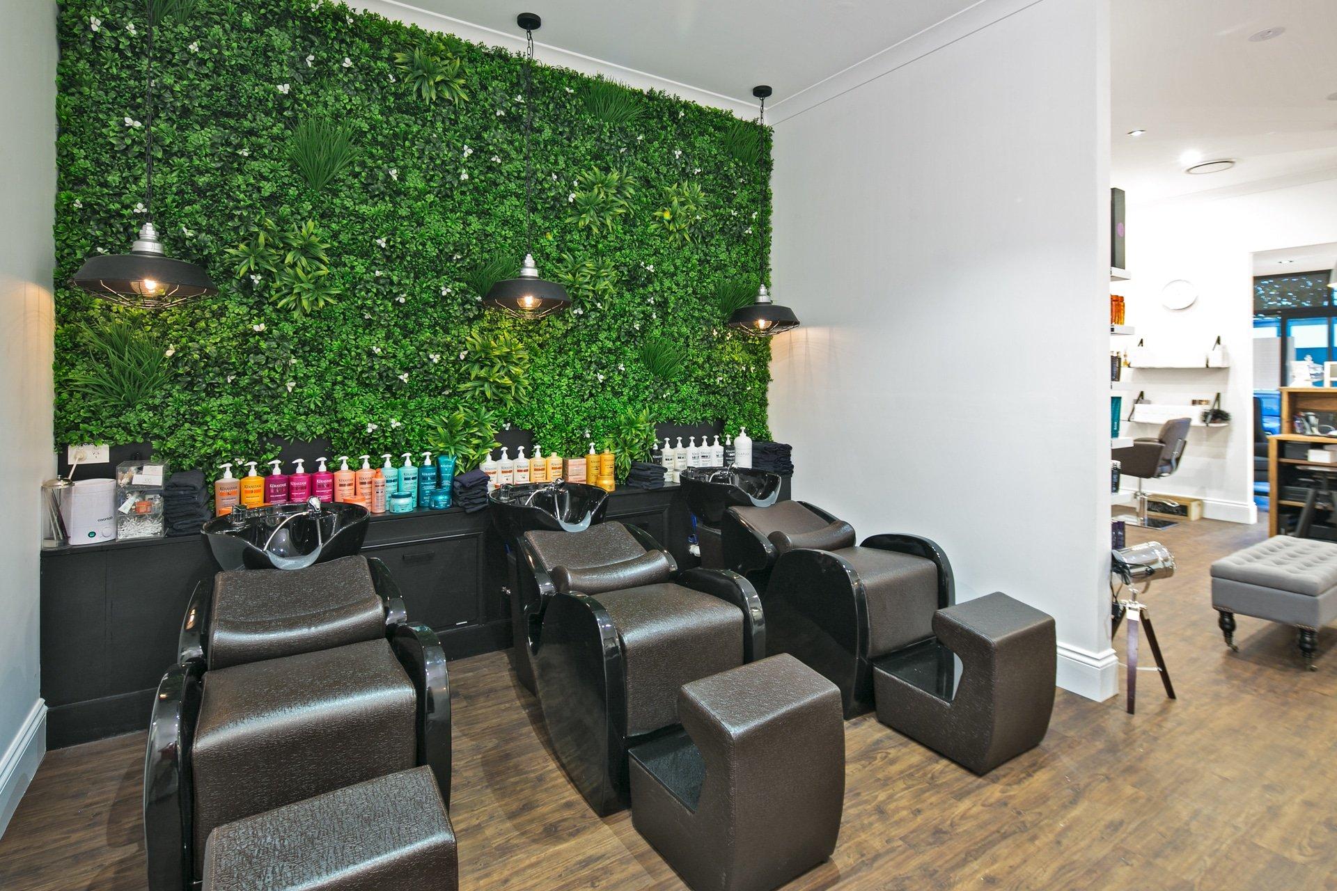 commercial artificial hedges. Black Bedroom Furniture Sets. Home Design Ideas