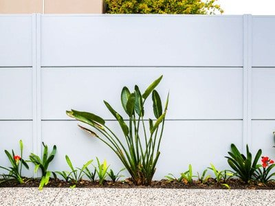 Modern home fence design - Modern fence by ModularWalls in South Yarra, Victoria