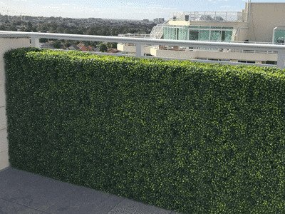 Artificial hedge for balcony privacy