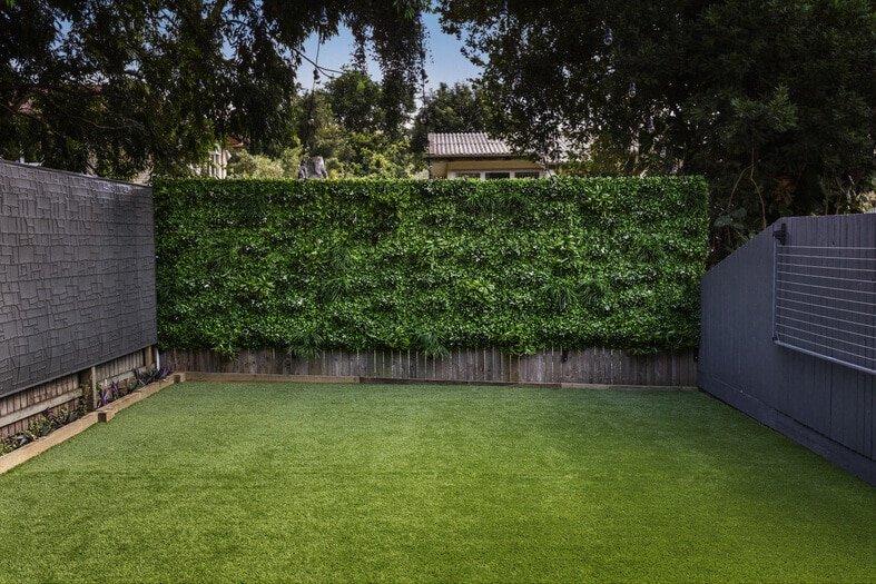 White Oasis Vertical Garden