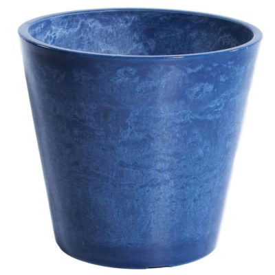 plastic garden pot - weather resistant